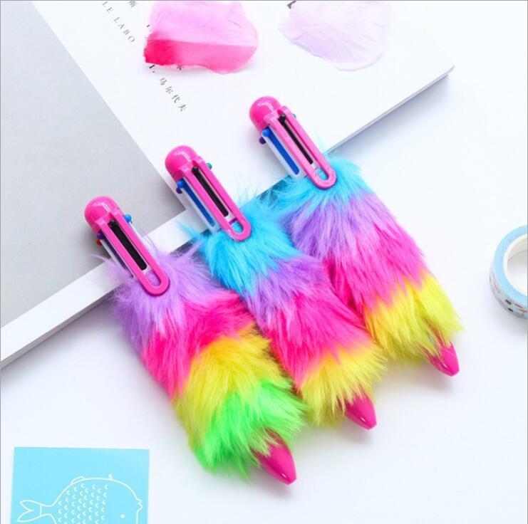 Puntos de bolas Pens imitación Peluche Rainbow 6 Color Ball Point Pen Multifunción Bullet Pen School Office Supplies Kawaii Papelería Regalo XTL328