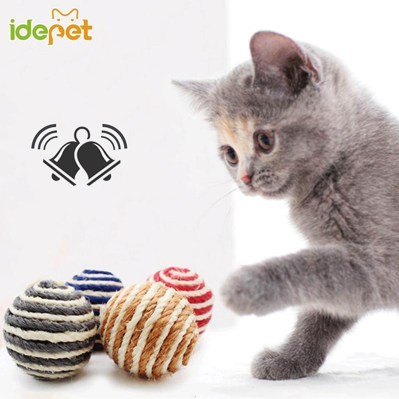 1 unids Funny Cat Toys Squeak Sisal Ball para pequeñas bolas de gatos pequeños juguetes de mascotas interactivas Durable masticar entrenamiento bola aleatorio color d35