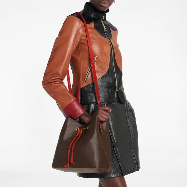Натуральная кожа Женщины Сумка Messenger Classic Fashion Luxurys Дизайнеры Сумки Женщины Сумка Сумки Сумки на плечо Леди Путешествия Сумки Рюкзак