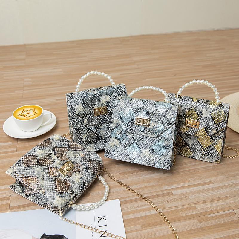 Snake Pattern 2021 Fashion New Womens Handbag Pearl Portable Mobile Phone Bag Chain Animal Pattern Shoulde Female Hot Sale Wholesale
