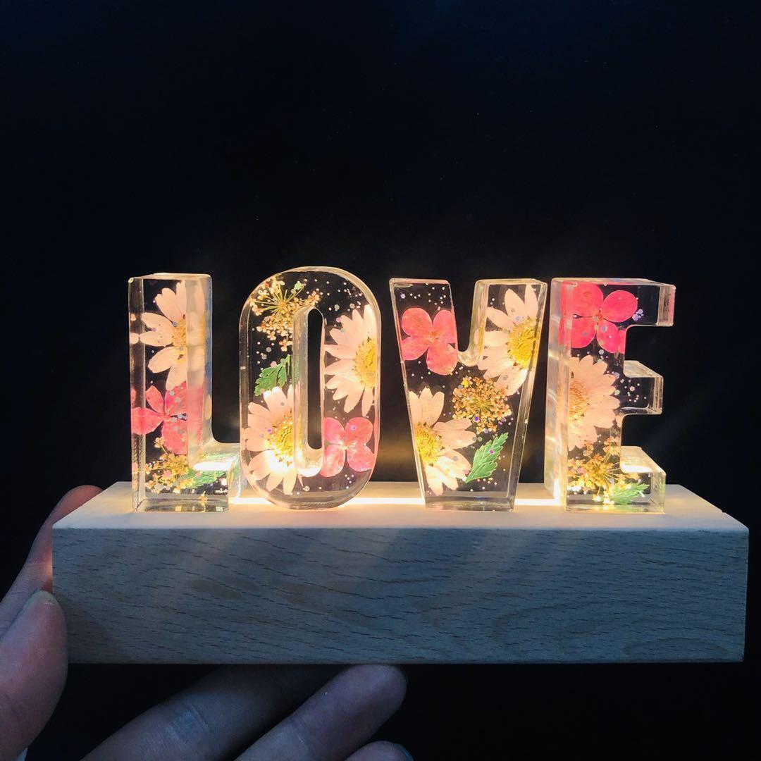 Sevgililer Günü Hediyeler Gece Işık Ahşap LED Epoksi Kurutulmuş Çiçek Kabartma Düğün Parti Düğmesi Hediye Lambası