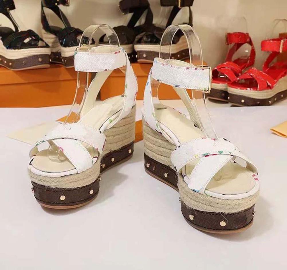 2021 İyi Satmak Moda Kadınlar Kalın Alt Platformu Sandalet Terlik Kadın Flats Flip Flop Ayakkabı Yaz Plaj Slide Sandalet slide by Shoe02 03