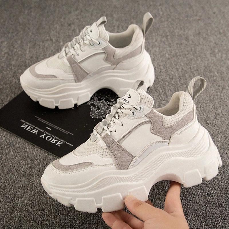 Frauen Turnschuhe Damen Spitze Mode Atmungsaktive Plattform Dicke Boden Weibliche Beiläufige Schwarz Weiß Schuhe Up Vulkanized Drop Shipping # TN9Z