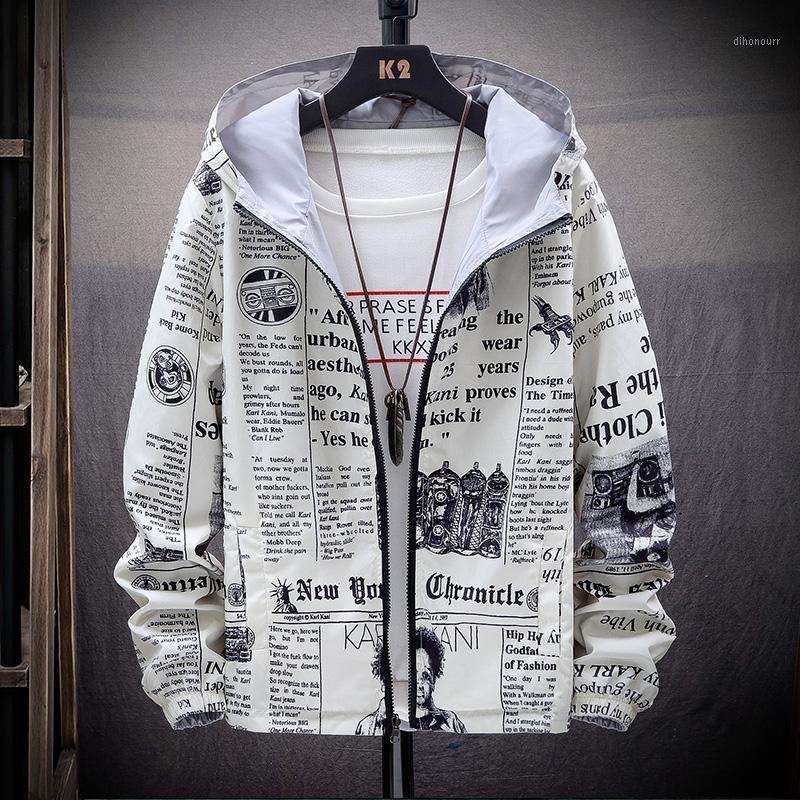 Männerjacken 2021 Strewear auf beiden Seiten Spapier gedruckte Modejacke Männer dünn mit Kapuze Windjacke Kleidung plus size1