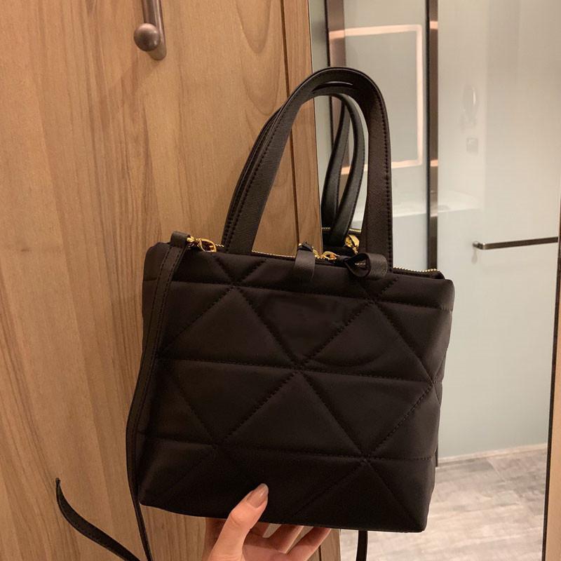 Sacs à sacs à sacs à sacs à sacs à sacs à sacs à main élevées sacs de qualité à la main Pochette Sacs Sacs Femmes Sacs Nylon MgrHD Womens Womens Handbags Jomld
