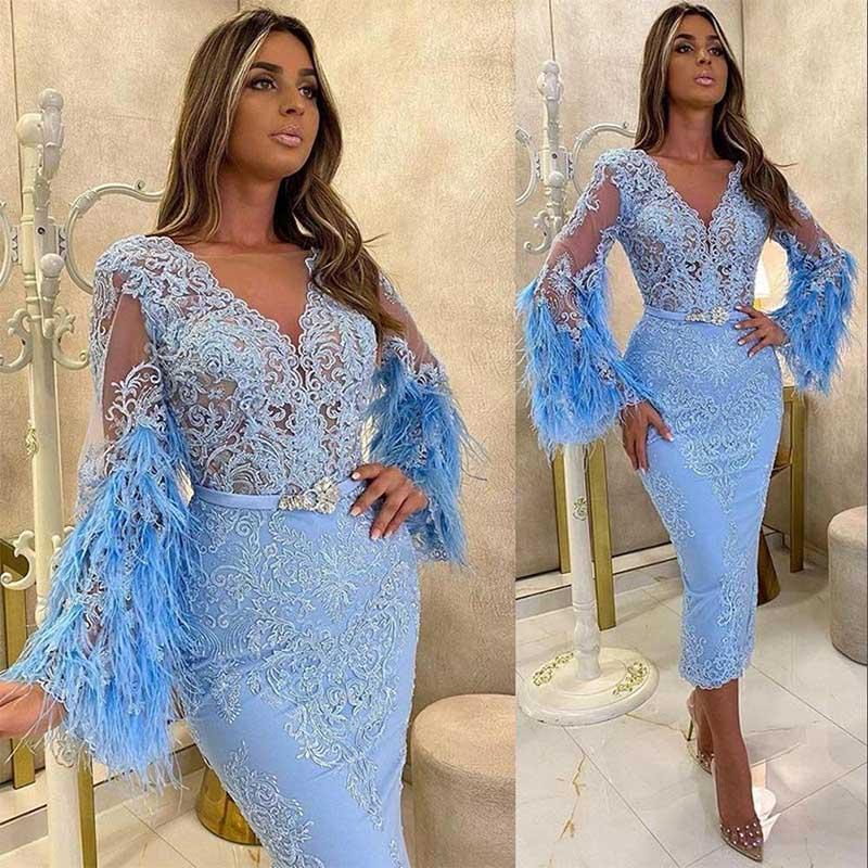 2021 NUEVO Cielo Sexy Cielo Azul Vestidos de cóctel con cuello en V apliques de encaje con plumas Mangas largas Celebreza Celebridad fiesta fiesta de fiesta casero Vestidos