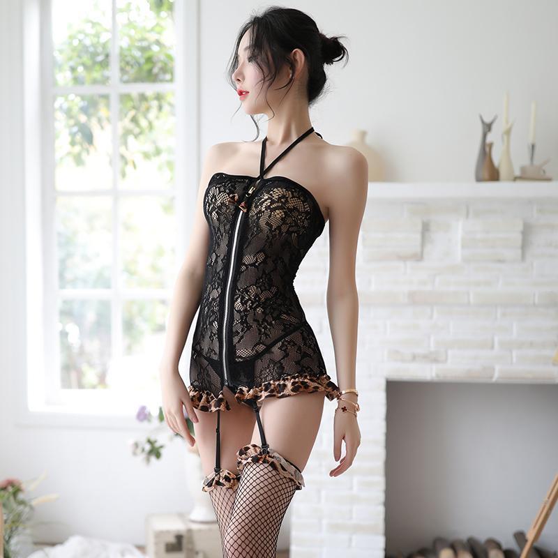Femme lingeries dentelle femmes pyjamas femmes satin satin chemise de nuit creux de la lingerie chemise de nuit été 21ys de sommeil lingerie