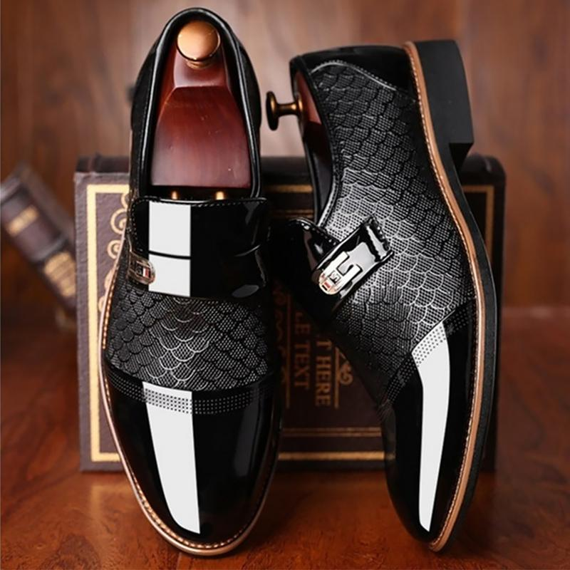 Мужская обувь из кожи Тиснение Классический моды Роскошные мужские ботинки Износостойкие Non скольжения Mans обувь против скольжения Черные туфли