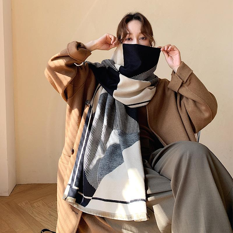 NUEVA 2020 bufanda de raya geométrica coreana para el invierno de la mujer con un chal cálido y engrosado