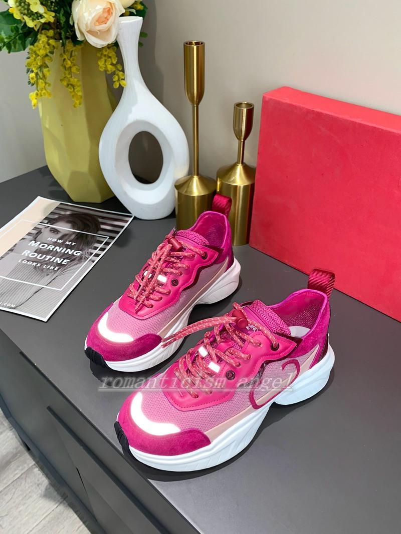 Valentino shoes 2021 Самая популярная мода RockRunner Красивый флуоресцентный камуфляж пара стиль имеет 7 цветов кроссовки модный дизайн повседневный