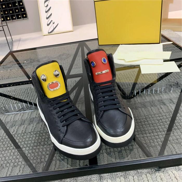 Superfície de couro macio mens com solas resistentes ao desgaste leve, solas planas e sapatos casuais high-top, com tamanho de caixa 38-45