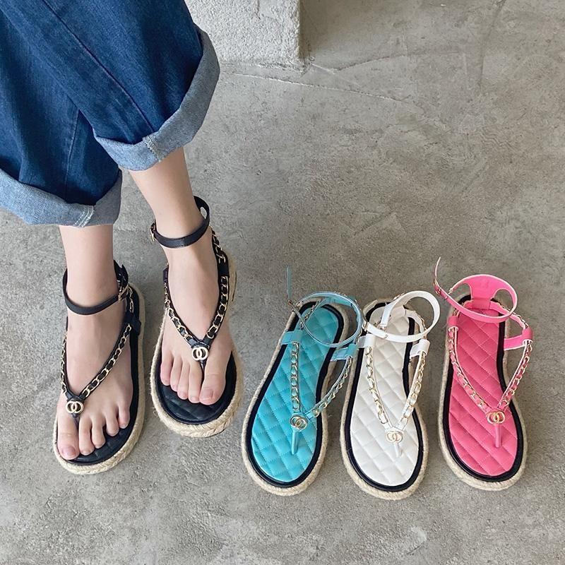Sandali 2021 Summer Designer Donne Appartamenti Pink BUCELK Strap Party Catena metallica Catena di metallo Flip Flops Toppe Trending Shoes Shoes