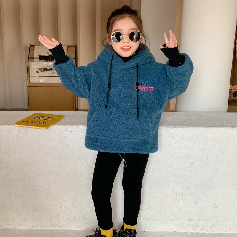 Детская толстовка буква поддельных двух двухслойных детских девушек Новый зимний пуловер мальчик с длинным рукавом слияние теплые мода одежда хлопок Z1121