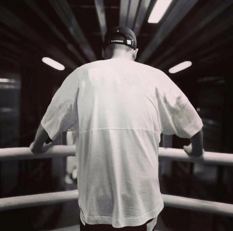 2021 Moda para hombre camiseta t shirt t shirt de alta calidad para hombre estilista camiseta hip hop hombres mujeres negro manga corta camisetas tamaño M-xxl