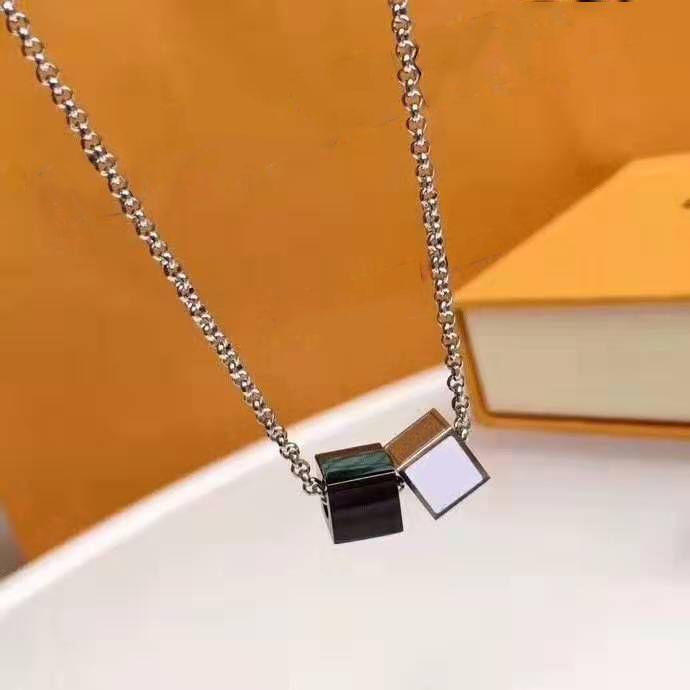 Hommes Femmes Colliers Mode Unisexe Pendentif Colliers avec lettres Cou Bijoux Hot Sell 5 options