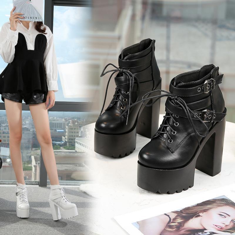 Stil der koreanischen eleganten Frauenplattform Natürliche schwarze sexy Lederschuhe High Heels Nachtclub Boots 2x6w