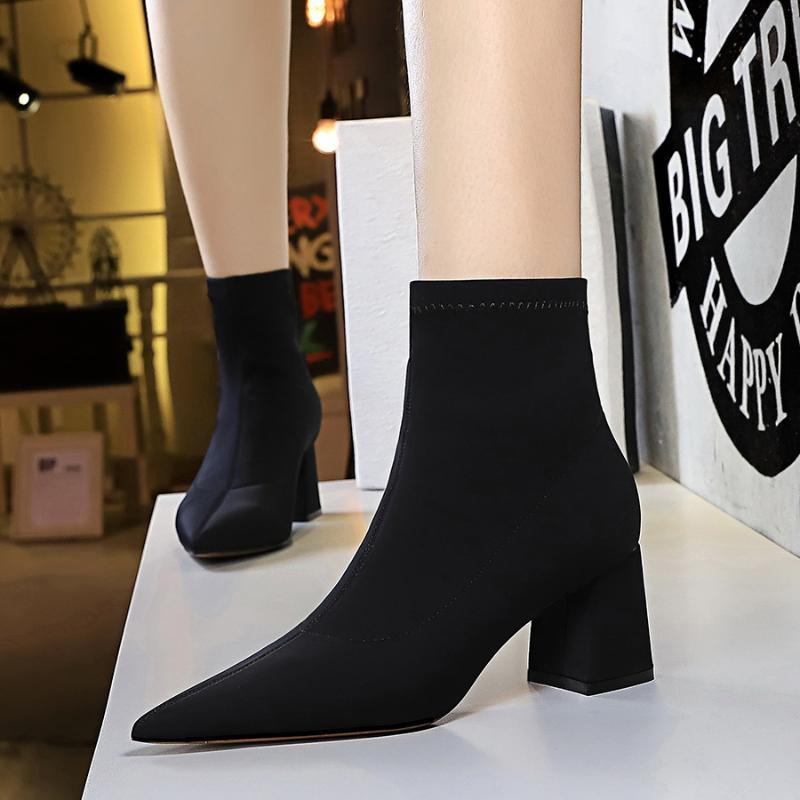 Botas 2021 mujeres 6.5 cm tacones altos tobillo de peluche del tobillo sexy fetiche cuadrado bloque de baja calidad zapatos de otoño