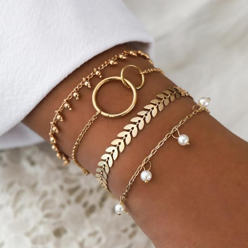 Heyuyao 4 pcs bracelets de perles d'or blancs Ensemble de bracelets de chaînes multicouches Bohemian pour femmes Charm Bijoux cadeau