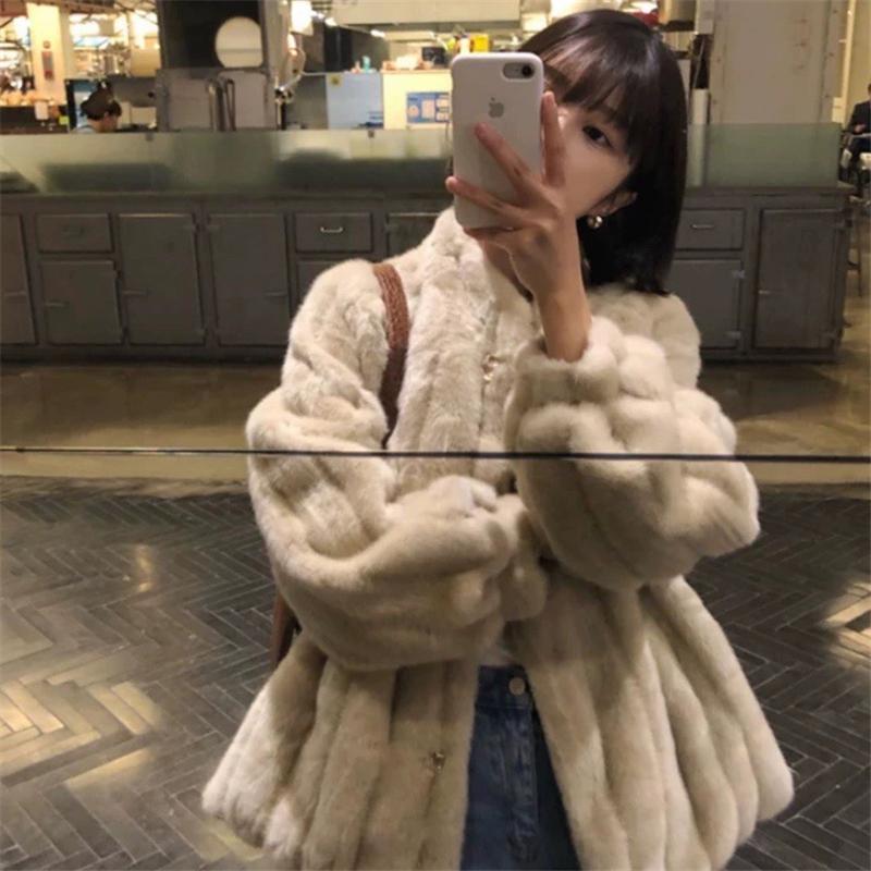 2020 Mode d'hiver Femmes Manteau de fourrure Winter Femmes Collier Stand Rood Loet Haute Qualité épaisse manteau Jacket Chic Top Y69