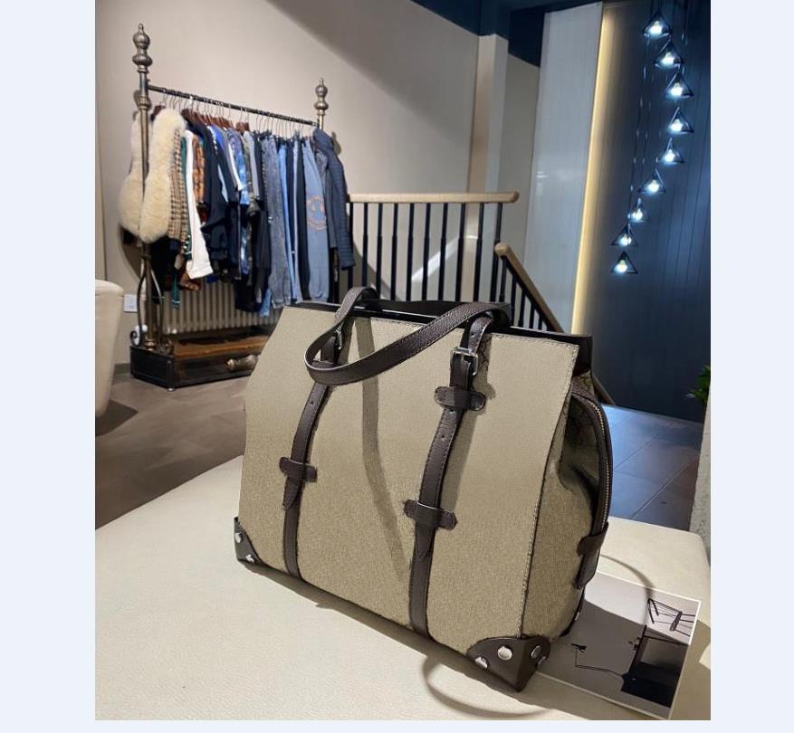 للجنسين حقائب اليد حقيبة يد مصمم حقيبة يد الأزياء الفاخرة حقيبة السفر حقيبة الكتف أكياس سعة كبيرة