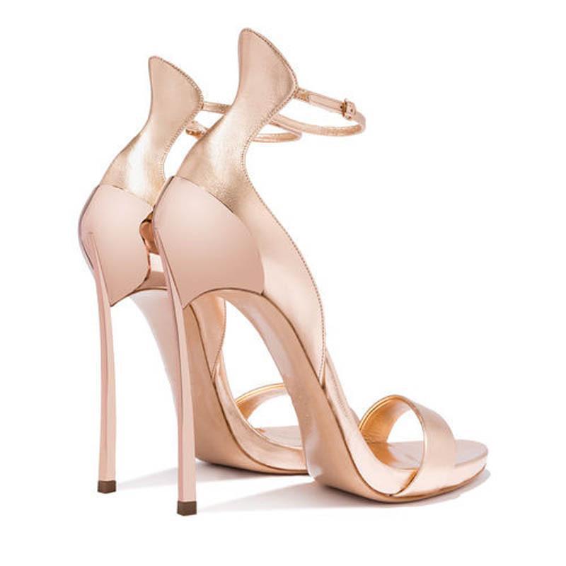 Scarpe da bagno 2021 Ferro con borsa e sandali moda Tacchi a spillo da donna