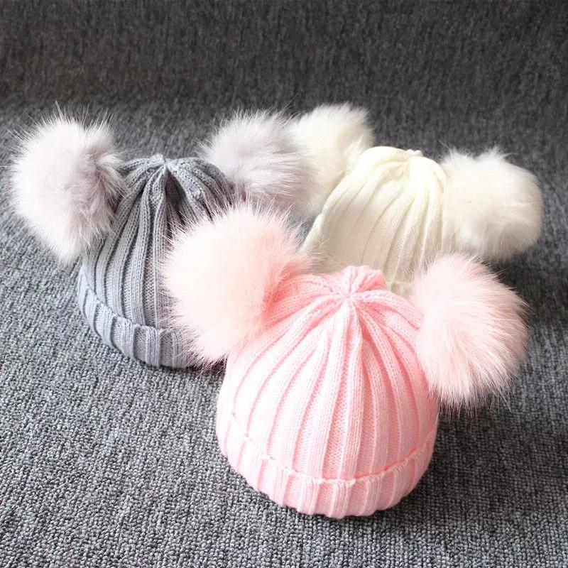 5pcs 브랜드의 새로운 신생아 아이들 소녀 소년 겨울 따뜻한 니트 모자 모피 공 Pompom 솔리드 따뜻한 귀여운 사랑스러운 비니 모자 선물