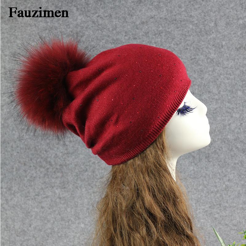 Femmes Crâne Beanie Élégante Véritable Raccon Fourrure Pompom Capom Coloré Laine tricotée Soft Baseball Ski