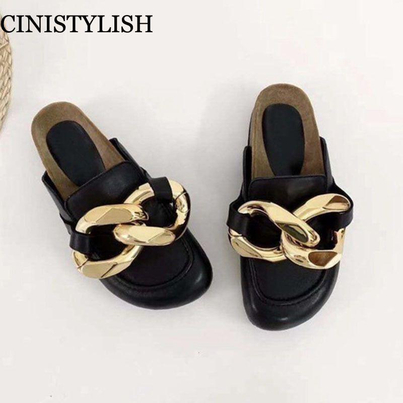 Бренд дизайн женская тапочка мода большая золотая цепь сандалии обувь круглый носок скольжение на мулах плоский каблук случайные скольжения шлепанцы 2021 Y1120