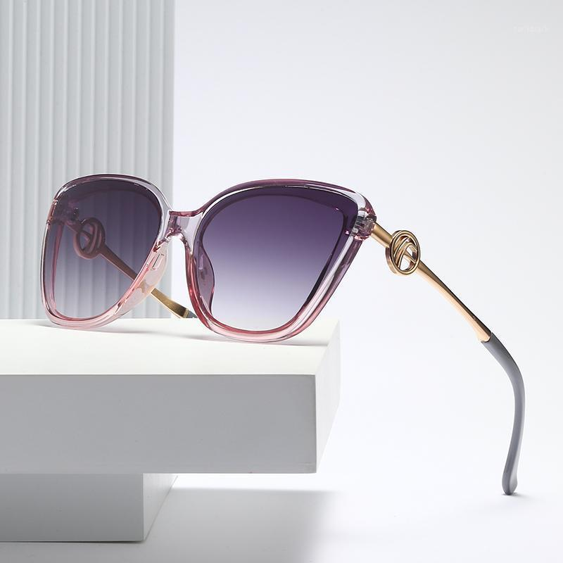 New Luxo Mulheres Óculos de Sol Mulheres Mulheres Celebridade Fashion Rodada Senhoras Vintage Marca Design Gato Olho Sol Óculos Oculos1