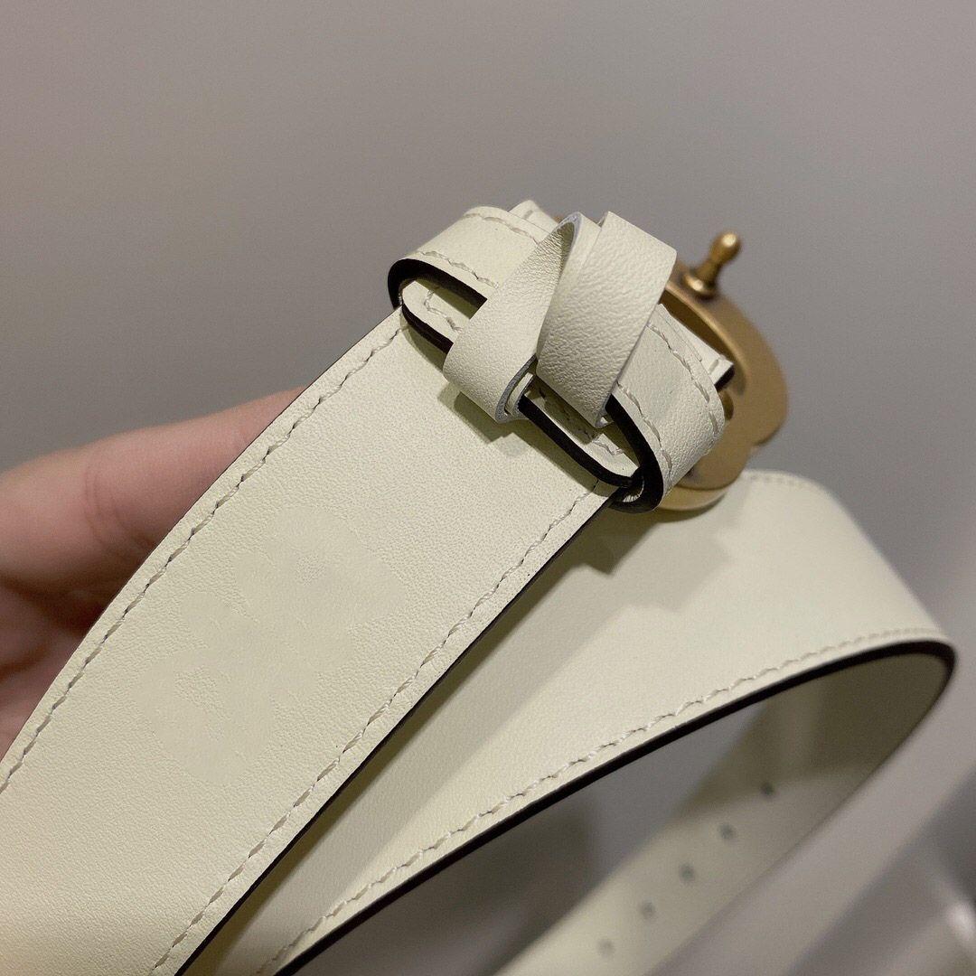 Classico migliore qualità 3 larghezze bianche Bianco Genuine Pelle Cintura donna con scatola Uomo Designer Cinture da uomo Cinture Designer Gold Gold Argento Fibbia cinture