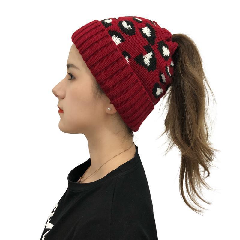 Шапочки / черепные колпачки женские зимние шляпы дамы теплые вязаные шляпа мягкие модные моды печатные шапочки элегантные все-матч для женщин