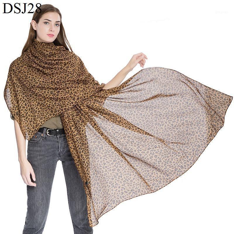 180 * 100 cm Sciarpe di seta per le donne 2020 scialle leopardo satinato satinato hijab sciarpa femmina bandana scialli sciarpe per signore1