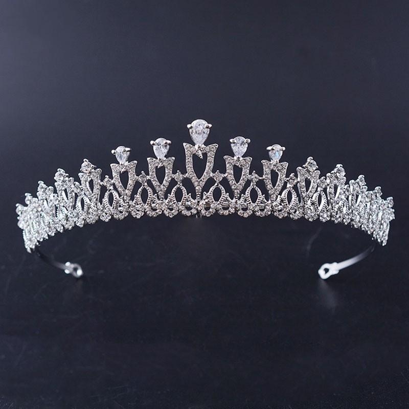 Gorgeous Crown Crown Crown Bridal Crystal Tiaras Couronnes Princesse Queen Pageant Strass Veil Veil Tiara Bandeaux De Mariage Accessoires J0121