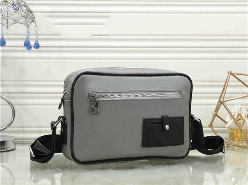 2021 Luxurys Bayan Tasarımcı Çanta Lüks Çanta Torba Moda Tote Çanta Cüzdan Crossbody Çanta Sırt Çantası Küçük Zincir Çanta Ücretsiz Alışveriş