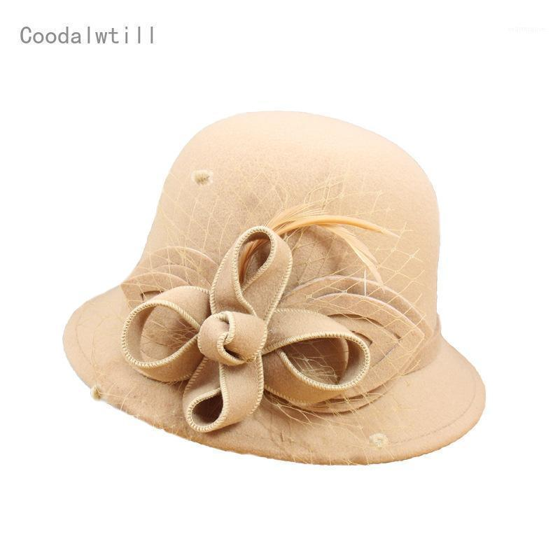 Feliz de lana negra fieltro Fedora Sombreros para mujeres Vintage Ancho Amplio invierno Closoche Hat Fedoras Bowler Cap Fascinators1