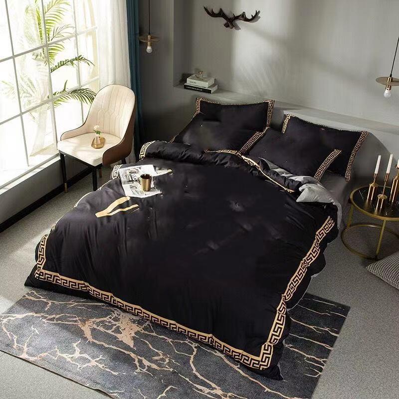 Fashion Black Designer Literie Ensembles de couette Couvre-lit Queen King Size Set de couette de lit de couverture Taie d'oreiller