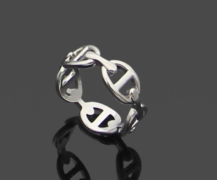 Explosive hollow ring European and American fashion titanium steel gold-plated pig nose ring Lovers casting pig nose jewelry