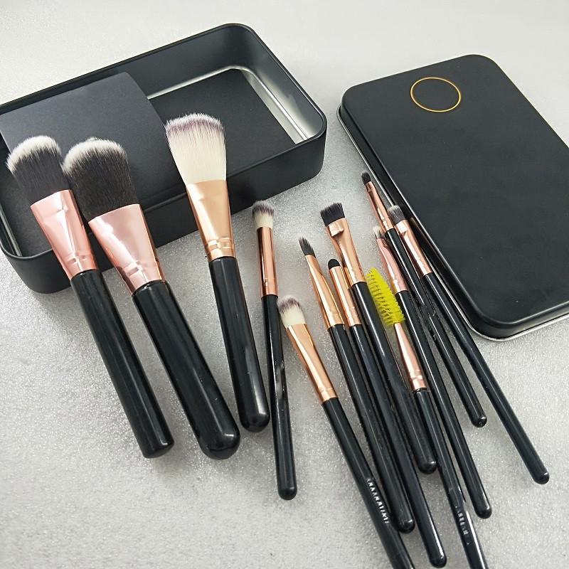 Nuovi strumenti di trucco di marca Pennelli per il trucco 12pcs / set Pennello trucco Set Set Pennello Pennello Eye Shadow Brush Brush GRATUITO PAZIONALE CONSULTAZIONE VELOCE