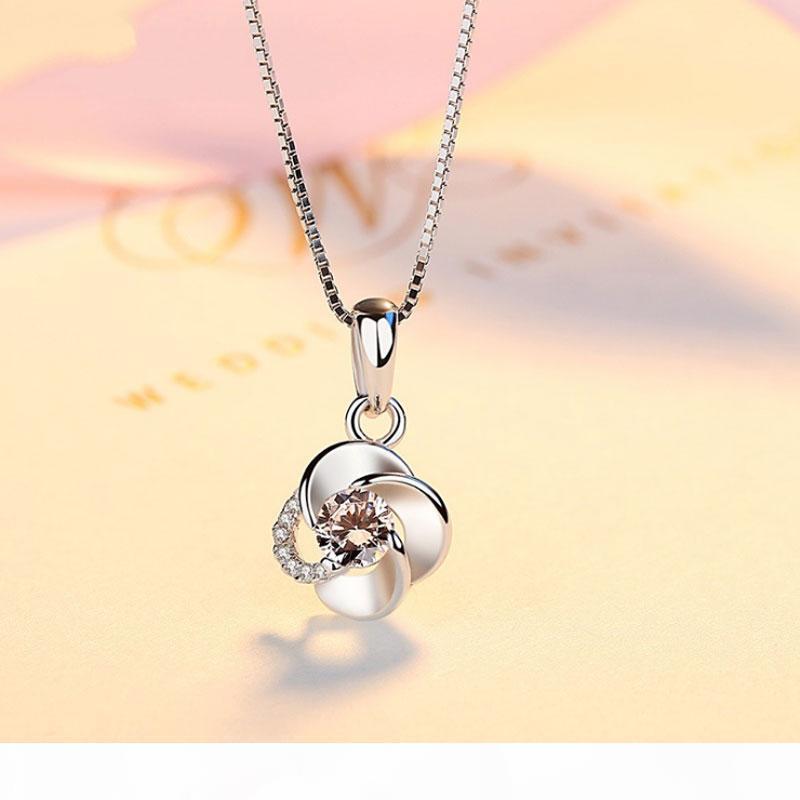 Collar de plata de las mujeres con incrustaciones de diamantes colgantes rotativos de Japón y Corea del Sur de Corea del Sur Clavícula Simple Cadena de plata 925 Accessor de plata