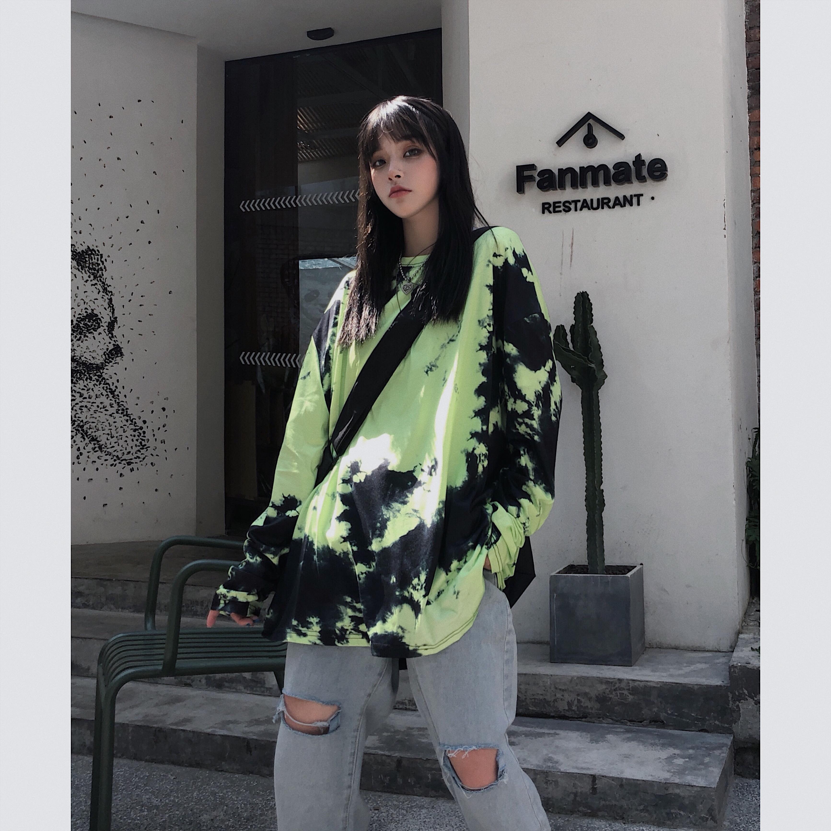 Primavera Original Versión coreana Instruida de la noche Camisa de estilo de noche Empate Cambio gradual Cambio de manga larga Student Dye T Loo Itaop