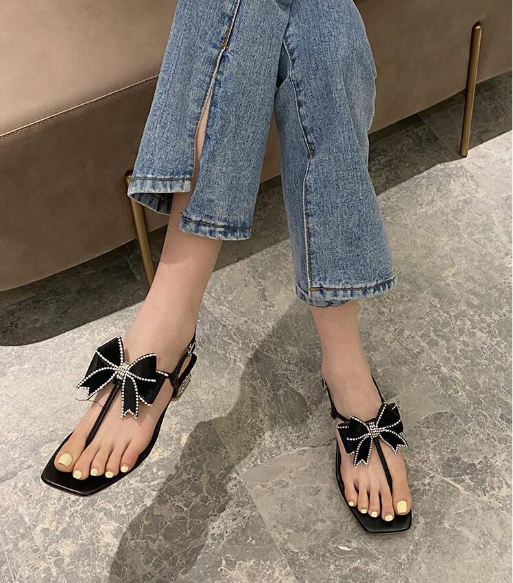 2021 Nouveau Design Femmes Femmes Mode Talons courts Sandals Diamod Fleur Diapositives Filles Décontracté Été Plage Soft Chaussures Soft Beige Taille 39 # P77