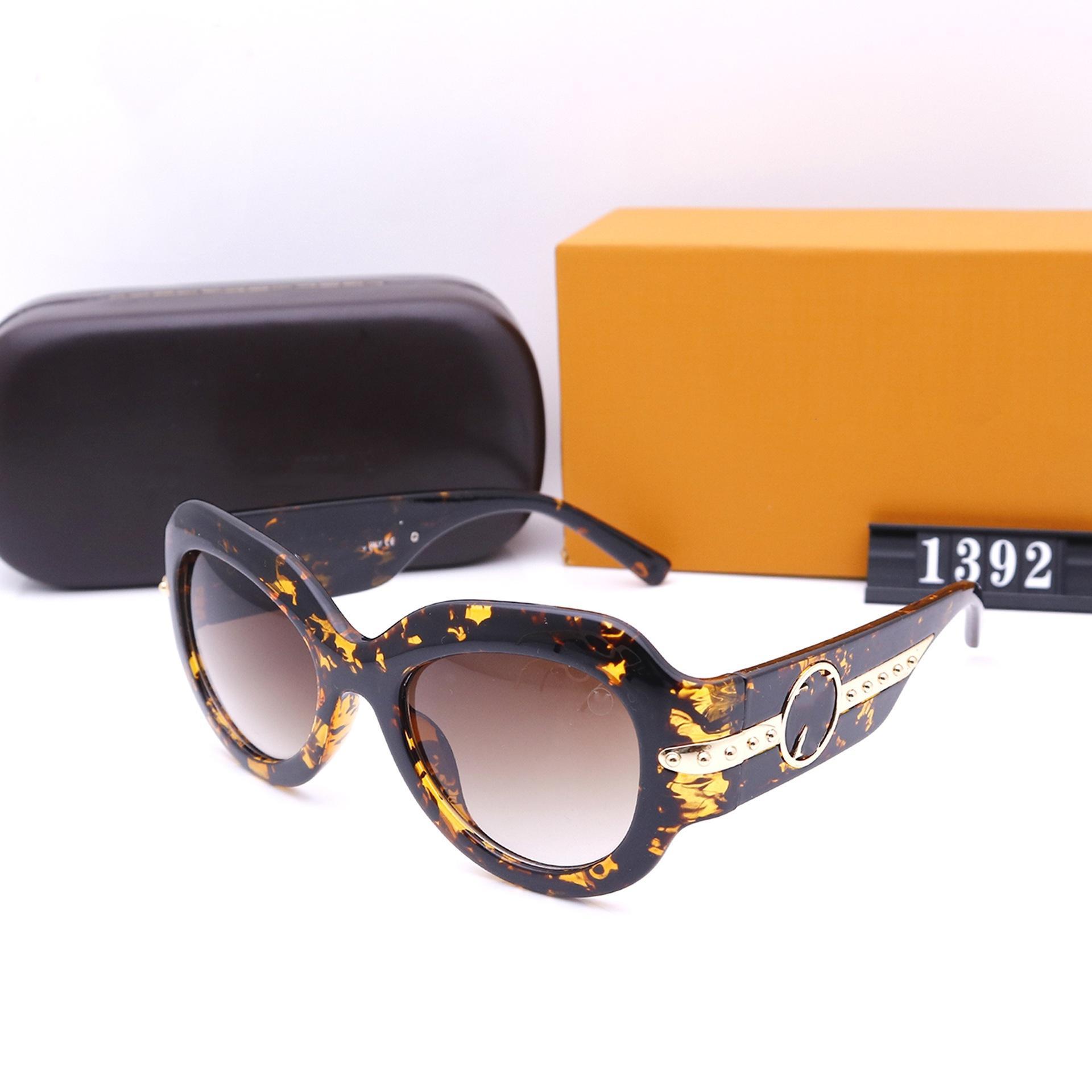 نظارات شمسية من خمسة ألوان أزياء للنساء مصممي فضي عالي الجودة HD الاستقطاب عدسات قيادة كلاسيكية 1392