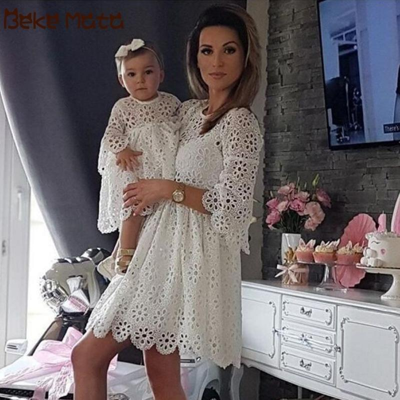 Mother Daughter Dresses Wedding Party Mommy And Me Clothes Lace Hollow Family Look Mom And Daughter Dress Family Matching Outfit Y200713