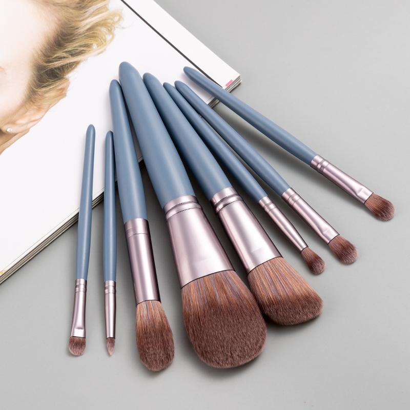 Pinceaux de maquillage 8pcs Set Fondation Eyebrow Bouthadow Boucle de fard à paupières blush brosse en bois pour maquillage outil cosmétique portable