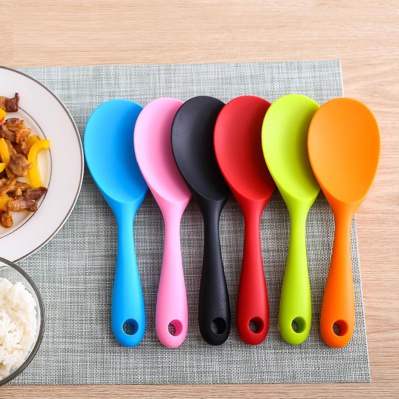 Kreative Silikon Küchenwerkzeuge Hochtemperaturbeständigkeit Elektrischer Reiskocher Reislöffel einteilig Tat nicht topf Rice Scoop T9i00858