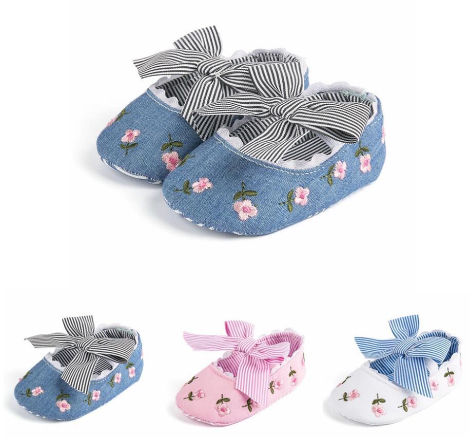 2021 Новая цветочная вышивка Детская обувь для новорожденного девочка полосатый лук первый ходунки мягкие подошвы милый малыш противоскользящая обувь принцессы