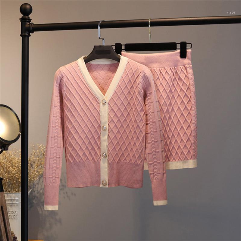NUOVO 2020 Autunno Pista a maglia a maglia 2 pezzi Set Donne Elegante Single-Breeded Scollo con scollo a V Cardigan + Vita alta A Line Gonna Suit1