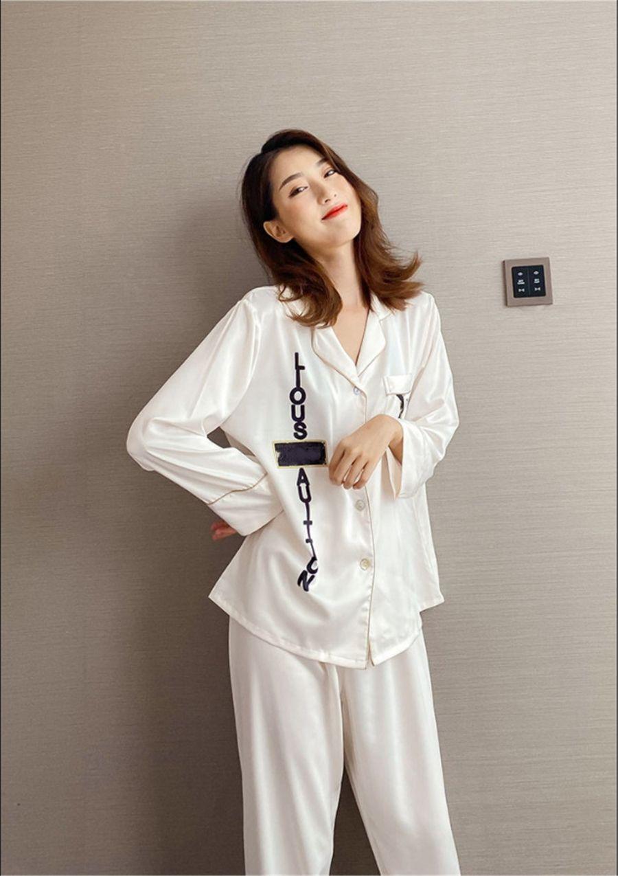 Ins I Pigiama di seta 2021 Nuovo sleepwear wite manica lunga manica lunga mens ome pigiama coppia # 245 # 75700000