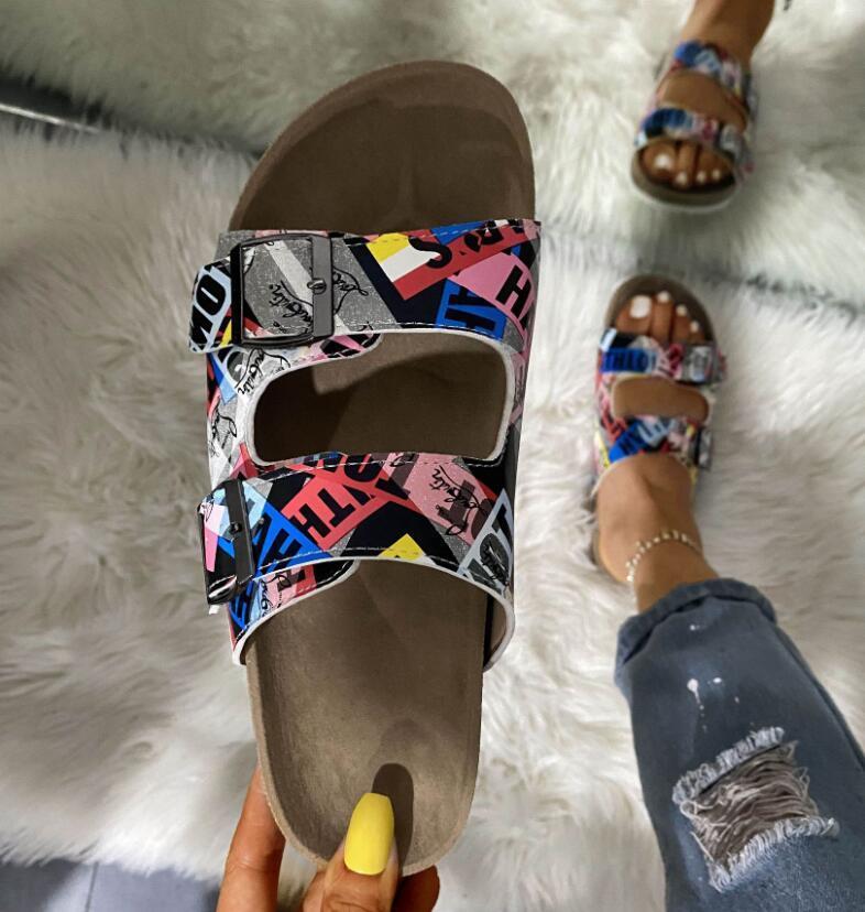 HBP 2021 جديد أزياء المرأة النعال شاطئ شبشب شخصية طباعة أحذية السيدات كتابات النعال الكلاسيكية الصيف مقاس 35-43