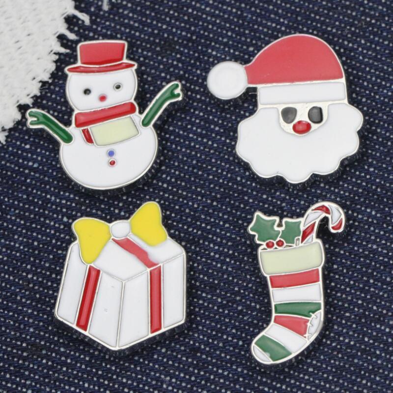 Cartoon Christmas Brooch Carino Babbo Natale Snowman Bell Elk Albero di Natale Spilla Pin Bella Xmas Stock Trad Badge Decorazione del partito OWE3140